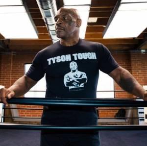 Ketika Mike Tyson Menangisi Hidupnya yang Terasa Hampa