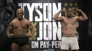 Ready to Rumble! Mike Tyson Lebih Berat 5 Kg, Roy Jones Tegang!