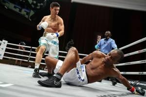 2 Kali Robohkan Mantan Juara, Yeleussinov Menang KO Ronde 2