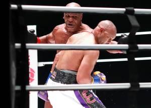 Obat Psikedelik Picu Mike Tyson Beringas Bertarung di Usia 54