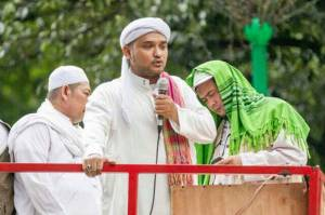 Habib Ali Assegaf Wafat, Novel Bamukmin: Beliau Waliyullah