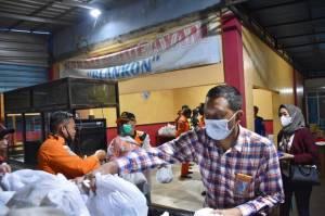Pelindo III Beri Paket Sembako ke Korban Banjir Kalimantan Selatan