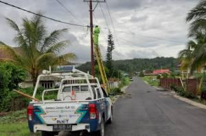 PLN Menyalakan Kembali 449 Gardu Distribusi dan 49 Ribu Pelanggan di Manado