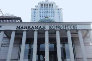 DPR Berhalangan Hadir, MK Tunda Sidang UU Cipta Kerja yang Digugat 3 Advokat