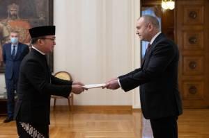Perkuat Kerja Sama, Dubes RI Serahkan Surat Kepercayaan ke Presiden Bulgaria