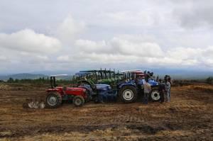 Barru Dapat Bantuan Alsintan 100 Unit Hand Traktor
