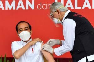Vaksinasi Dosis Kedua, Dokter Abdul Muthalib Ngaku Lebih Tenang Suntik Jokowi