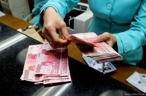 Sudah Waktunya Keroyokan Bikin Bunga Kredit Bank Turun