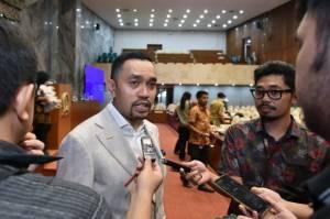 Insentif Nakes Disunat, DPR Minta KPK Tertibkan Oknum RS