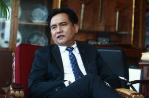 Yusril Sarankan Jokowi Terbitkan Perpres Perubahan Investasi Miras