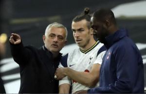 Soal Masa Depan Gareth Bale di Spurs, Mourinho Lepas Tangan