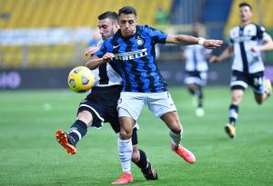 Inter Milan Kian Perkasa di Puncak Klasemen Usai Bungkam Parma