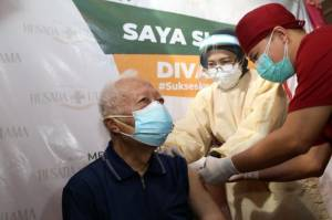 Vaksinasi Lansia, Erick Thohir Bidik 5.000 Pendaftar per Hari