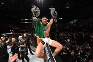 Adesanya Dibekuk Blachowicz, Conor McGregor Pertahankan Rekor Champ Champ