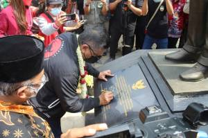 Padepokan Kebangsaan Karang Tumaritis Bikin Hasto Kristiyanto Terkenang Masa Kecil