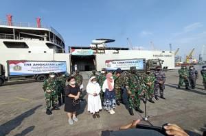 TNI AL Kembali Kerahkan KRI untuk Bawa Bantuan 700 Ton ke NTT