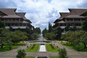 Lewat KLB Bandung, Akhmad Syarbini Terpilih Ketum IA ITB
