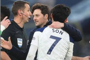 Mason Girang Tottenham Menang