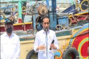 Penuhi Permintaan Nelayan, Jokowi Perintahkan Pengerukan di Pelabuhan Brondong