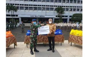 Bank Mandiri Distribusikan Paket Sembako kepada Masyarakat dan Anggota TNI-Polri