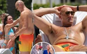 Istri Hamil, Tyson Fury Kesenangan Tubuhnya Diminyaki Perempuan