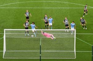 Tujuh Gol Warnai Duel Newcastle vs Man City