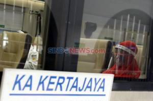 Siap-siap! 2.100 Penumpang KA Diprediksi Tiba di Stasiun Gambir dan Senen