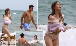 Seksinya Eugenie Bouchard dalam Balutan Bikini Putih Menggoda