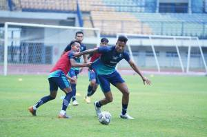 Liga 1 Jelang Bali United vs Persib Bandung: Jaga Rekor Sempurna