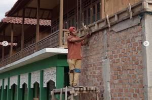 Bikin Terenyuh, Buruh Bangunan di Lampung Utara Wakafkan Upah untuk Bangun Masjid