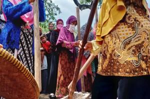Pusaka-pusaka Sakti Kerajaan Talaga Mandi Air Kembang di Desa Nunuk Baru