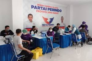 Warga Serbu Vaksinasi Massal COVID-19 Perindo Jabar, 1.000 Dosis Vaksin Ludes Terpakai