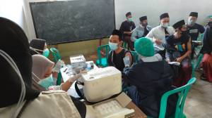 5.600 Santri Pondok Lirboyo Ikuti Vaksinasi yang Digelar ISNU Jatim