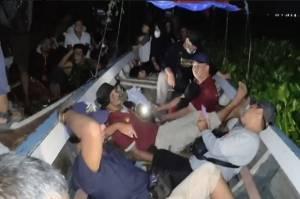 Terjebak 6 Jam di Waduk Jatiluhur, 23 Wisatawan Berhasil Dievakuasi