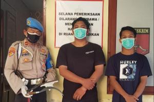 Tenteng Celurit saat Berkendara 2 Pemuda Ditangkap