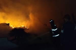 Api Membara di Kota Padang, Gudang Kayu dan Rumah Ludes Terbakar