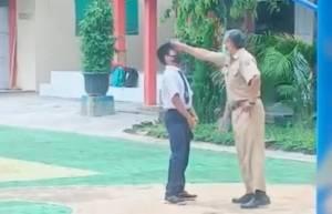 Viral! Oknum Guru Aniaya Siswanya di Halaman Sekolah
