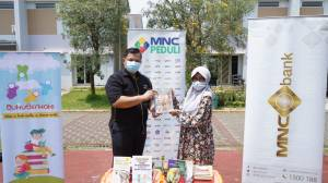 HUT ke-7, MNC Bank Berbagi Buku Bacaan untuk Anak-anak Sulawesi Tengah