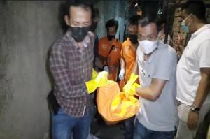 Senjata Api dan Tajam Ditemukan Polisi di TKP Pembunuhan Janda Muda dan Teman Prianya di Kosan