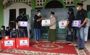 Bagi-bagi Laptop, Relawan Ganjar Pranowo Capres 2024 Dorong Santri Kuasai Dunia Digital