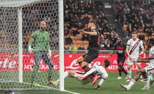 Hasil AC Milan vs Torino: Gol Giroud Jadi Pembeda di Babak Pertama