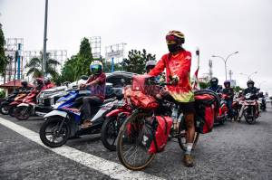 Mahir Abdullah Jelajahi Indonesia dengan Sepeda