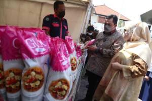 Tekan Harga Bahan Pokok Jelang Idul Fitri, Disperindag Jatim Gelar Pasar Murah