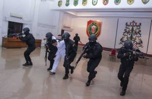 Aksi Prajurit Raider 631/Antang Selamatkan Gubernur Kalteng dari Sekapan Teroris