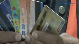 Aksinya Diketahui Penjaga Toko, Pasutri Ganjal ATM Dihakimi Massa