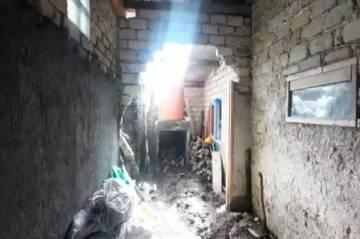 Lembang Diterjang Longsor, Tembok Rumah Warga Jebol Dihantam Material