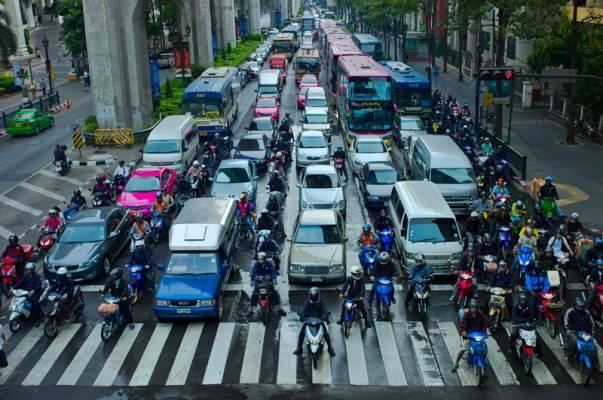 Tipe-Tipe Pengendara Motor di Jalanan, Kamu Termasuk yang Mana?