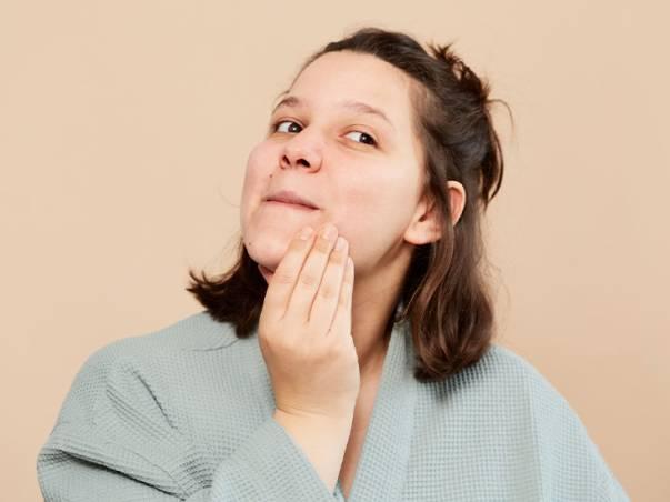 Rekomendasi Skincare Lokal untuk Kulit Berjerawat, Harga Seratus Ribuan!