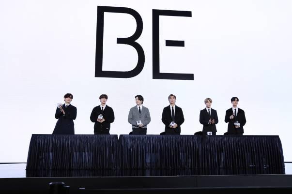 6 Momen Suga Tak Hadir saat Konferensi Pers BE BTS, Tapi Namanya Disebut dan Fotonya Muncul