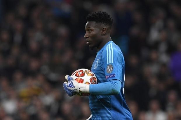 Barcelona Bidik Onana, Ajax Segera Patok Harga